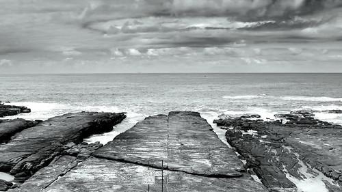 bw seascape monochrome landscape coast blackwhite scenery rocks head rocky australia cliffs norah rugged norahhead peterch51