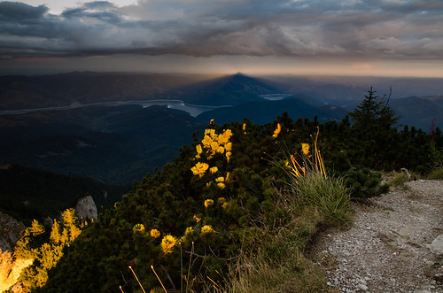 sunset shadow mountains clouds landscape romania ceahlau