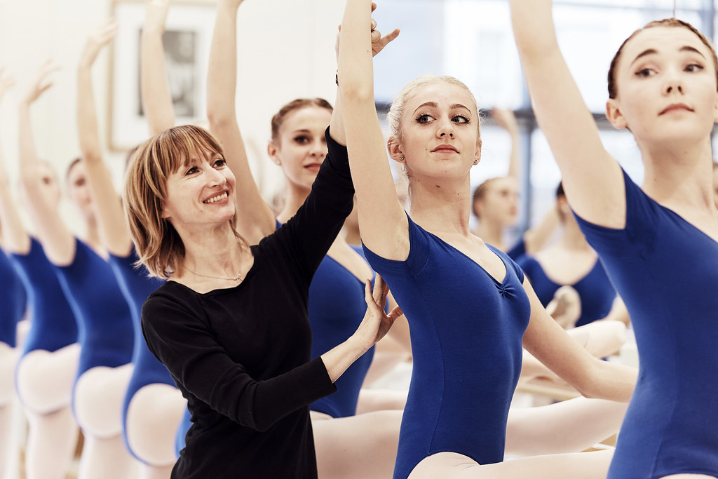 Students at The Royal Ballet School © The Royal Ballet School/ Schuhlelewis.com
