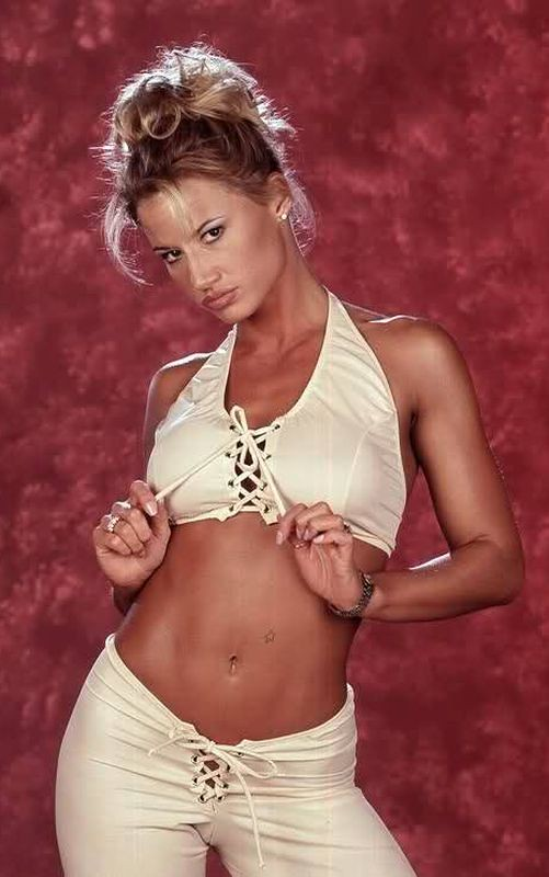 Tammy lynn sytch bikini, swingers party gif