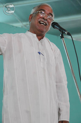 Poem by Mohinder Gulshan from Hardev Nagar, Delhi