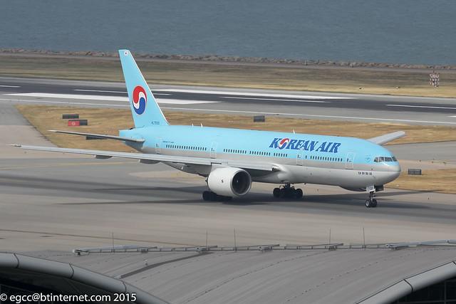 HL7530 - 1997 build Boeing B777-2B5ER, arriving at Hong Kong on flight KAL603 from Seoul Incheon