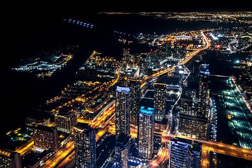 Toronto at night   by Arutemu