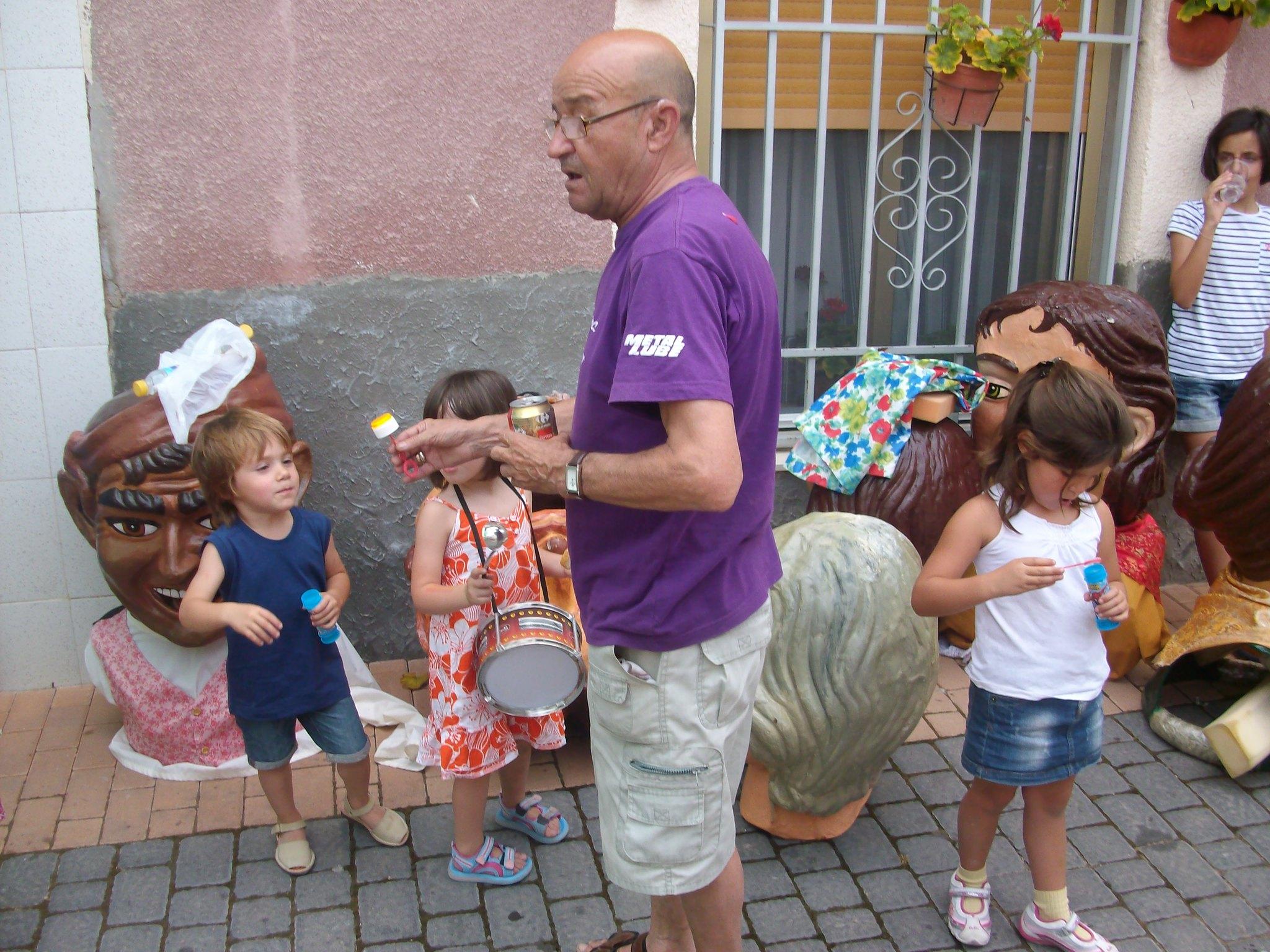 (2010-07-04) - Pasacalle Gent de Nanos - José Vicente Romero Ripoll -  (31)