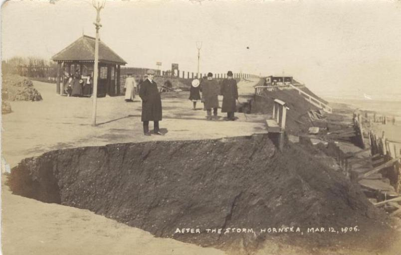 The Groynes at Hornsea 1906 (archive ref DDX-7-90)