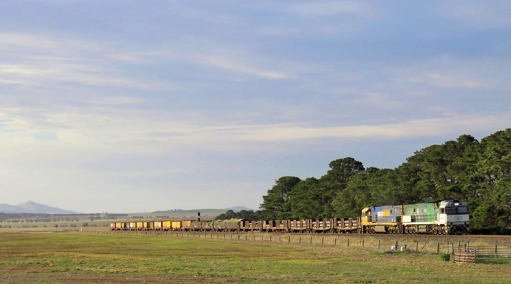 NR84+NR67 approach Tatyoon with a 19 wagon steel train #4PM4 from Whyalla(SA), heading East towards Melbourne by Adam Serena