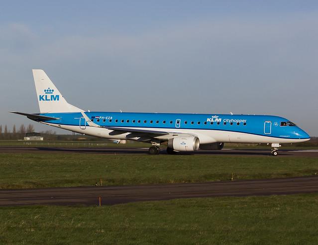 KLM Cityhopper | Embraer ERJ-190STD | PH-EZB