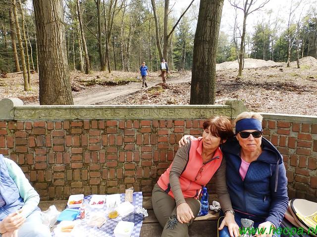 2016-04-13    2e Dag van Lunteren 25 Km  (144)
