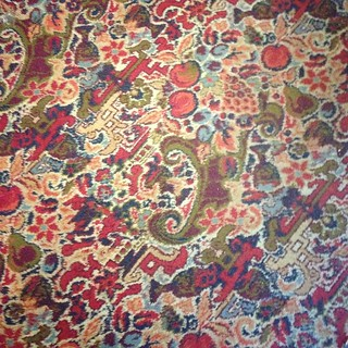 Lovely carpet with apples at The Barley Mow, Clifton Hampden 🍎❤️🍎 | by koekoektrommel
