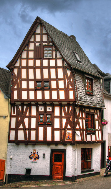 Altes Fachwerkhaus aus dem Jahr 1545 in Klotten/Mosel