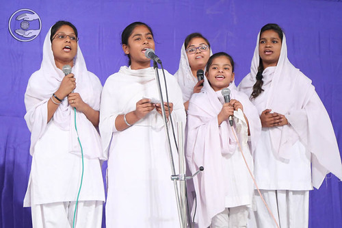 Devotional song by Roshni and Saathi from Adarsh Nagar