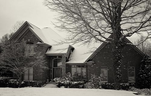 winter blackandwhite snow home monochrome landscape us northcarolina myhouse gastonia dorameulman