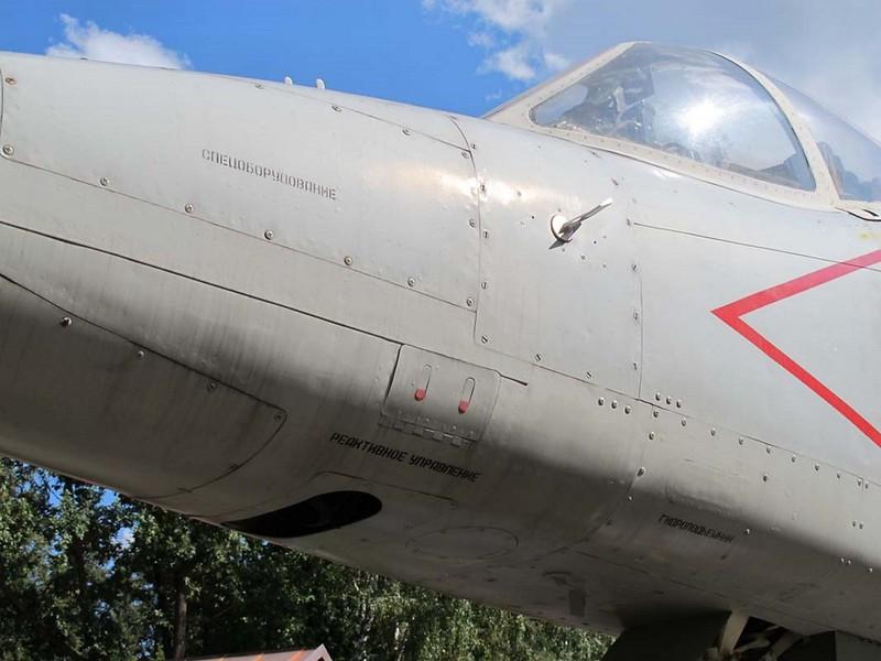 Yak-38M 4