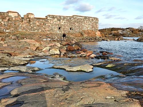 sea sky rock finland island helsinki granite fortress suomenlinna 1700s gulfoffinland poolsofwater