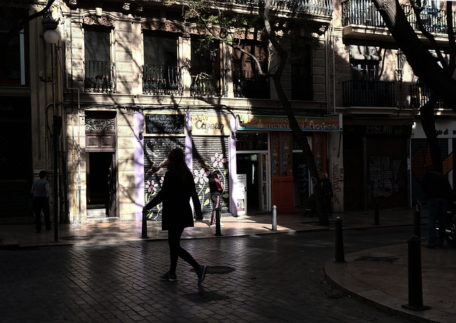 at a corner of El Carmen <Valencia light & shadow>