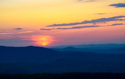 red orange mountain yellow sunrise nationalpark skylinedrive shenandoahnationalpark