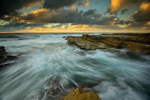 ocean seascape rocks australia newsouthwales aus cavesbeach watermovement theblacksmith nikon1635mmf4 chalkybeach nikond750