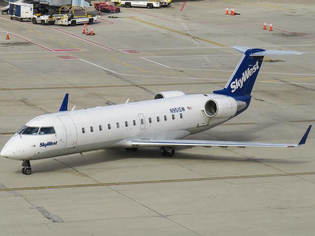SkyWest CRJ-200LR (N951SW)