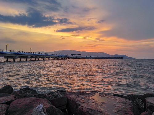sunset sunsets georgetown malaysia penang mates 日落 hdr 北海 butterworth penangisland 夕阳 huawei pulaupinang 马来西亚 华为 槟城 pantaibersih 乔治市 huaweimates ahweilungwei