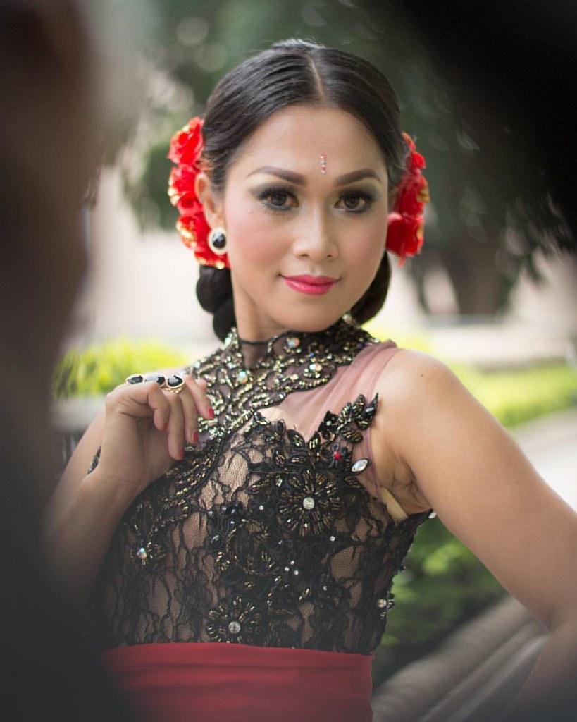 Hunting Kebaya Glamour Concept Model Avrila Concept Mod Flickr