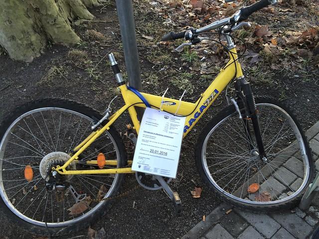 Fahrradwrack im öffentlichen Verkehrsraum