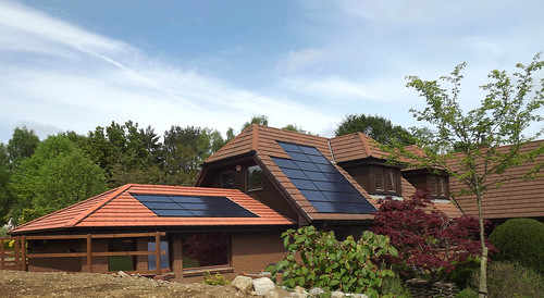 Roof integrated (C) AES Solar | by solartradeassociation