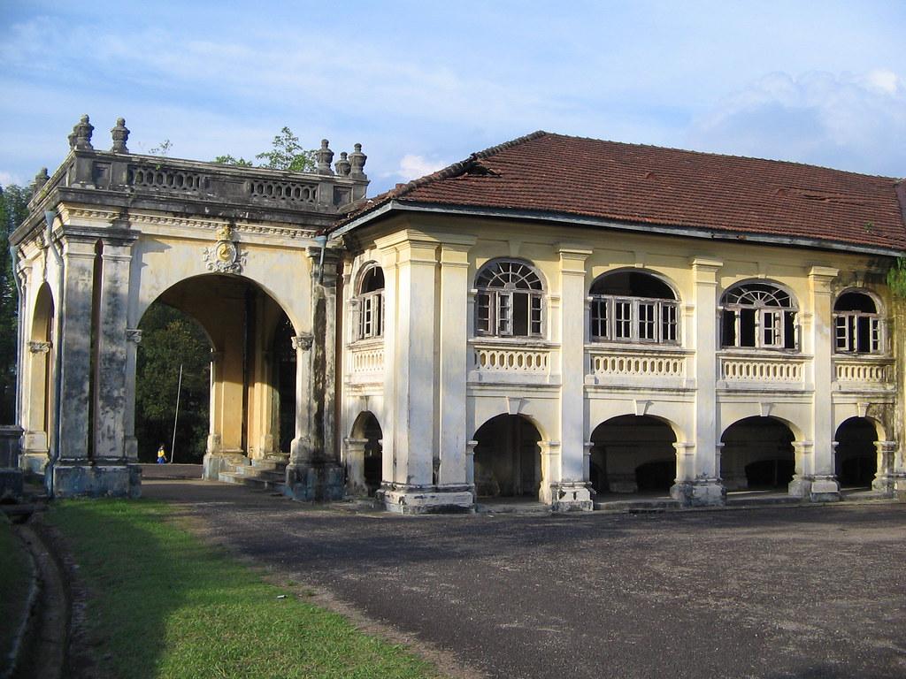 Tengku Zaharah Palace