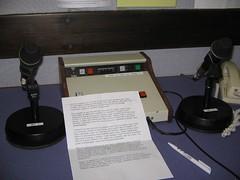 Wrth y microffôn, Stiwdio'r BBC, Aberystwyth
