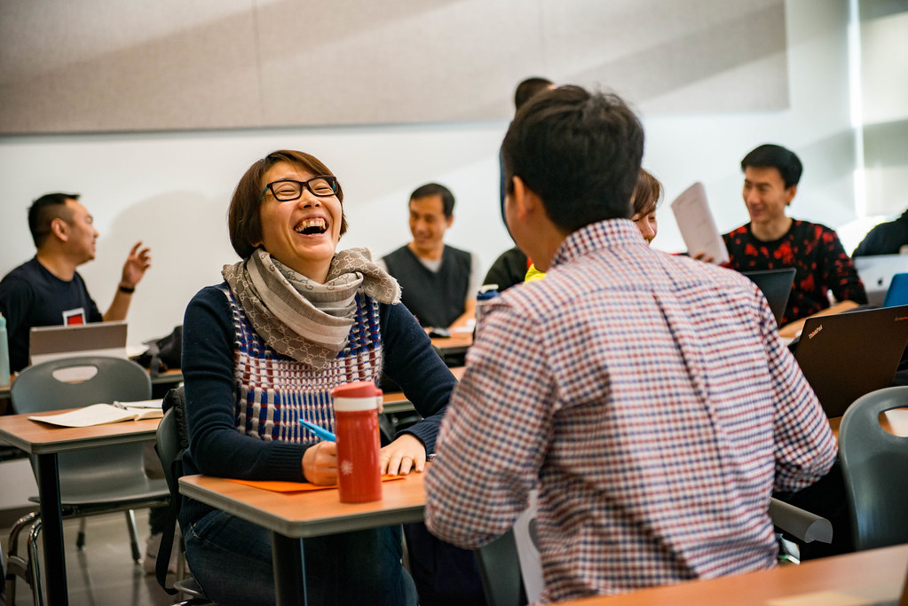Joanna talking to Chinese Olympic visitors-5 | University of the ...