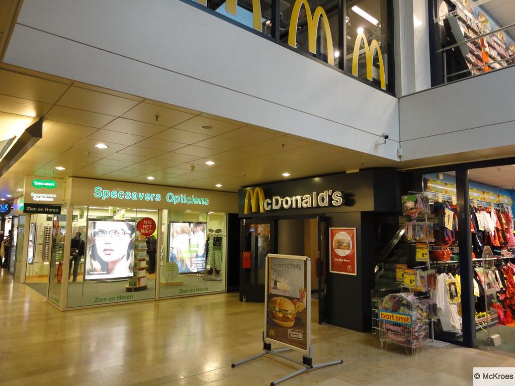 6a51025c9224ea ... McDonald s Rotterdam Winkelcentrum Zuidplein (The Netherlands)