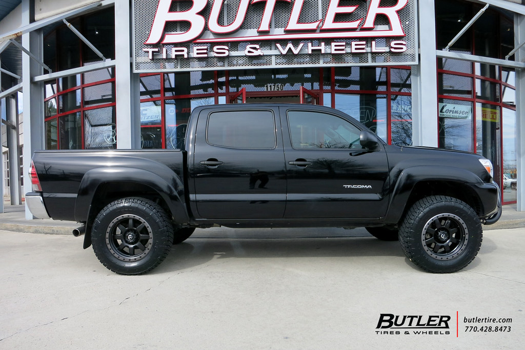 Toyota Tacoma With 18in Fuel Trophy Wheels And Nitto Terra Flickr
