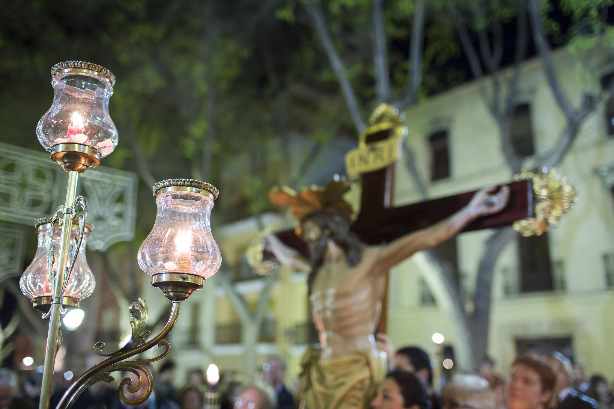 (2012-03-30) - III Vía Crucis nocturno - Vicent Olmos (01)