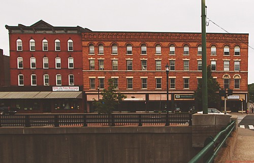 street town takingphotos buildings2015allrightsreservedandrewhubbellbuildingsctcanoneos70dmorningstreetsunrisewinstedandhub©andrewhubbellallrightsreservedwinchesterconnecticutunitedstatesus
