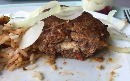 Greek bifteki - Lateral cut / Griechische Bifteki - Querschnitt