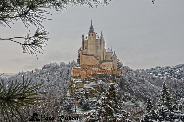 Alcázar de Cuento (Premio Lonely Planet Abril 2016) Alcazar of Segovia ( Lonely Planet Spain April 2016 Award)