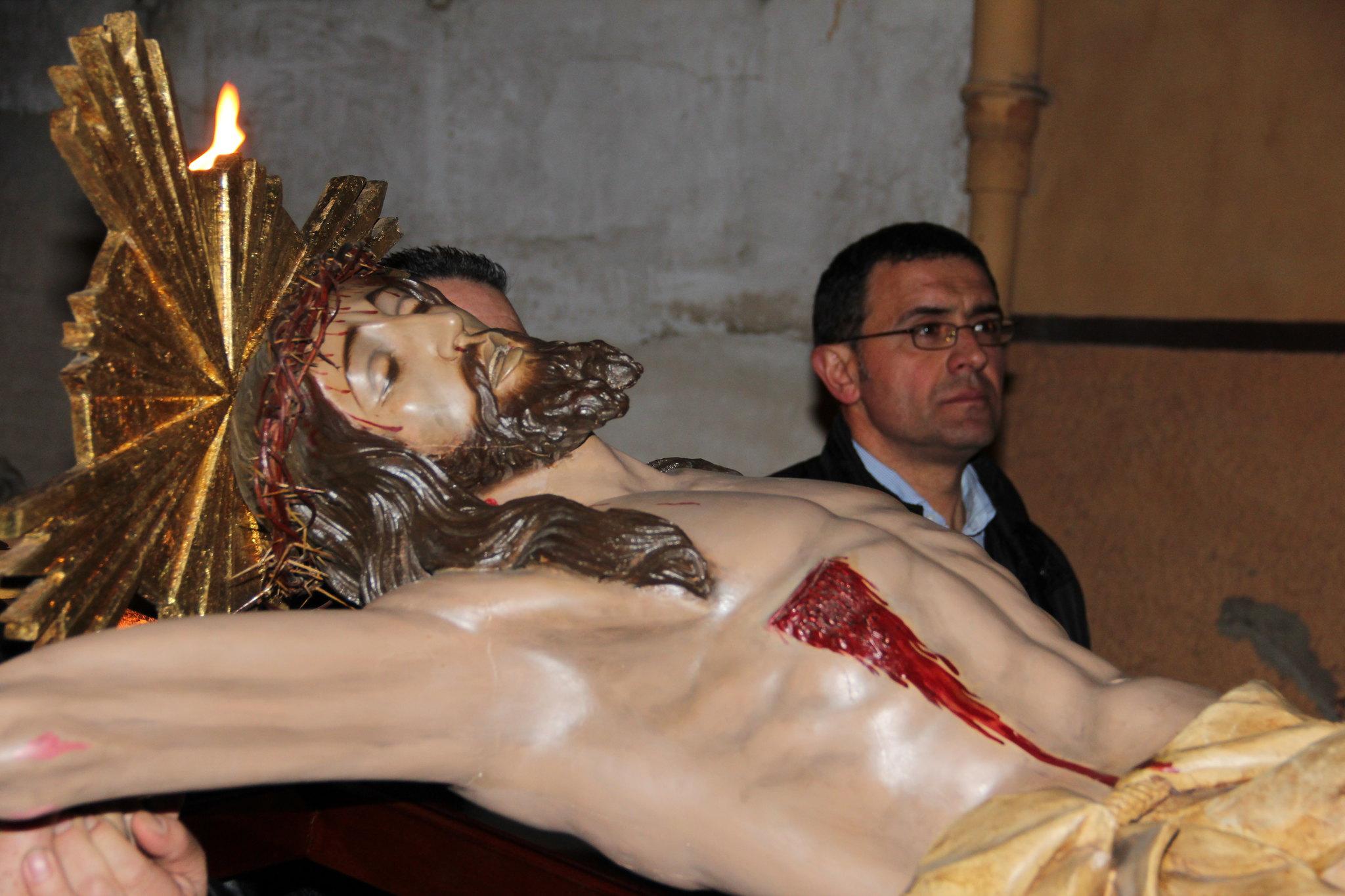 (2012-03-30) - III Vía Crucis nocturno -  Antonio Verdú Navarro  (73)