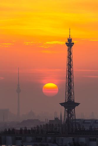sun berlin fog skyline sunrise germany dawn golden morninglight cityscape dust tvtower radiotower cityvieworange