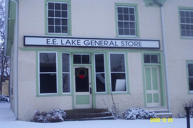 Snow_Snickersville_General_store