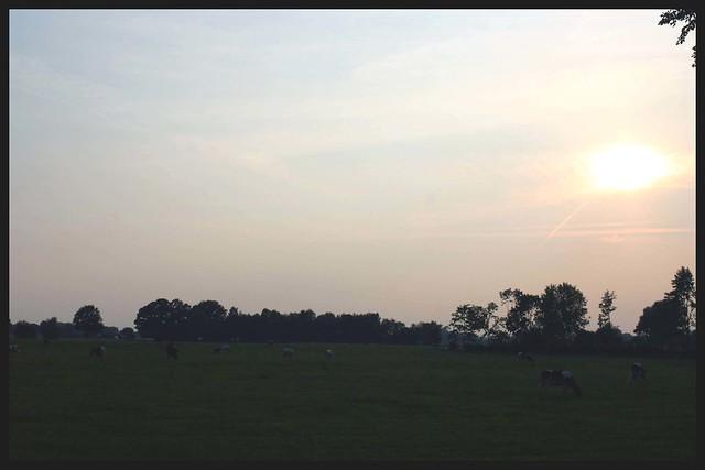 Zonsondergang in de buurt van de oude Braakschool