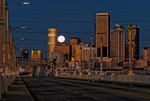 6thstreetbridge bridge moon dtla moonset 75mm