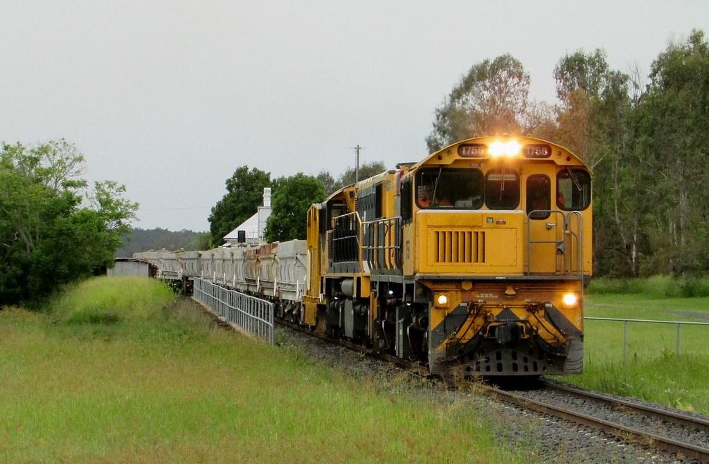 Queensland Rail - Empty Ballast Service by Shawn Stutsel