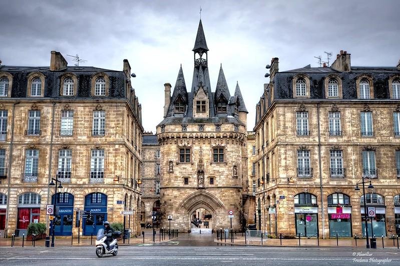 La Porte Cailhau, vue du coté du fleuve. Bordeaux
