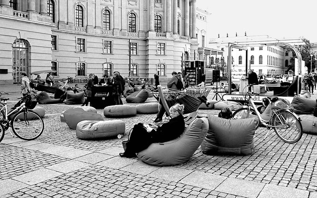 Public space to read and rest