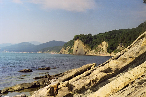 Скала Киселева между Туапсе и Агоем. 25 августа 2002 года. Russia. Krasnodar region. Black Sea. Between Tuapse and Agoy