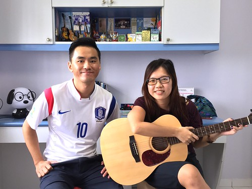 1 to 1 guitar lessons Singapore Ying Wei