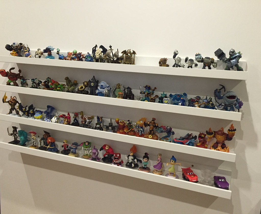 eb10f9044 Skylanders and Disney Infinity figure toy display shelves | Flickr