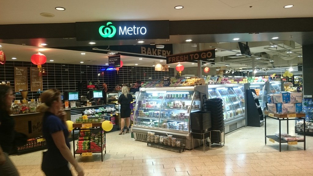 Shopfront - Woolworths Metro, Melbourne Central - right ou