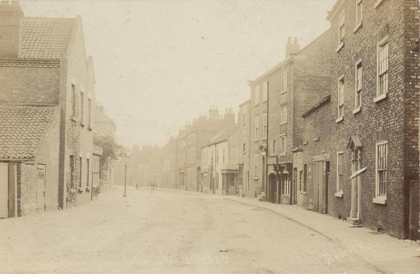 Howden, Hailgate c.1905 (archive ref PO-1-67-1)