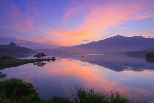 日月潭 日出 sunmoonlake sunrise dawn 出水口 倒影 reflections taiwan 南投