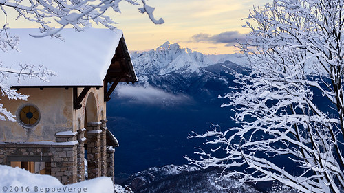 morning winter snow mountains alps sunrise dawn alba neve snowfall inverno alpi nevicata mottarone beppeverge
